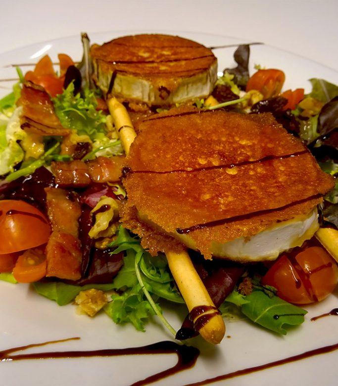 Ensalada templada de queso de cabra / Menú del día
